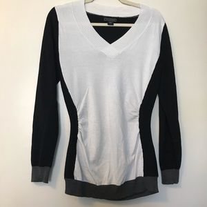 Metaphor Black & White Color Block Sweater Medium